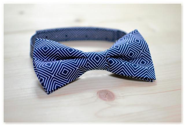noeud papillon homme bleu marine et blanc