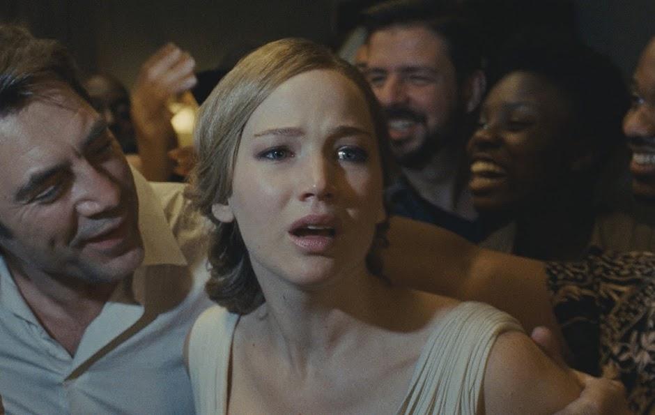 "Michelle Pfeiffer perturba a paz de Jennifer Lawrence em novo teaser de ""Mãe!"""