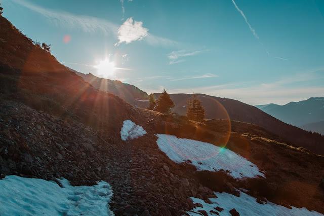 Sonnenaufgangswanderung auf den Saalkogel  Saalbach-Hinterglemm 01