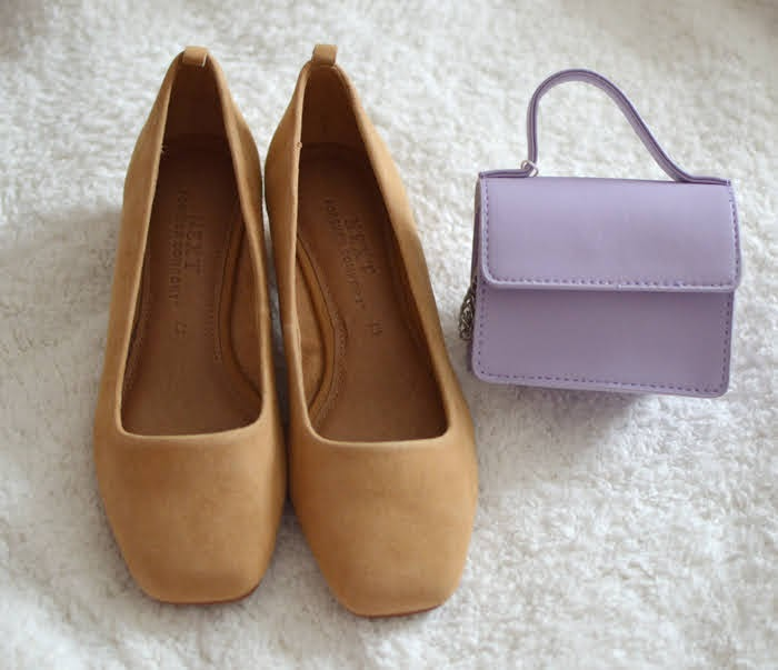 Suede shoes and lilac bag