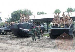 Taruna Akademi TNI dan IPDN Belajar Mengenal Kendaraan Tempur Kavaleri Korps Marinir