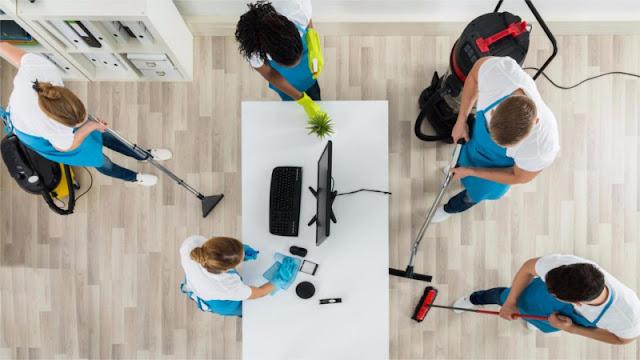 Keuntungan-dan-Kerugian-Memakai-Layanan-Cleaning-Service-untuk-Rumah
