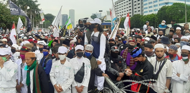 Habib Rizieq: Jika Jokowi Enggan Mundur Terhormat, MPR Harus Didorong Gelar Sidang Istimewa