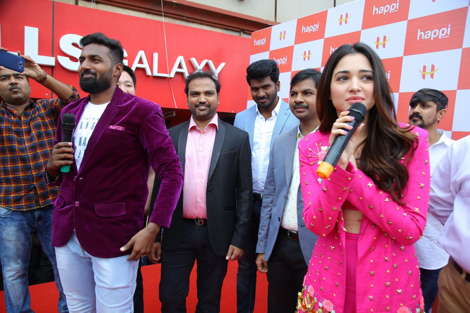 Bahubali Actress Tamannaah Bhatia Grand Launching Happi Mobiles at Bhimavaram Event Photos ❤