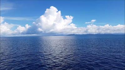 Gambar pemandangan laut