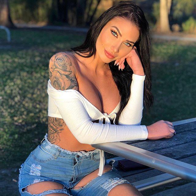 Krystal Lenkova Photos
