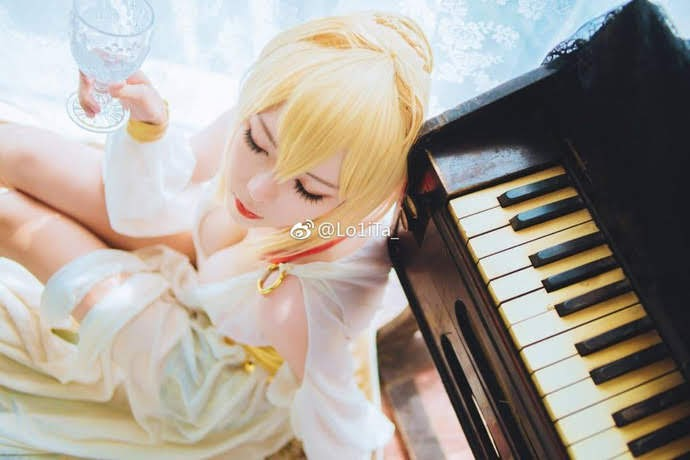 Cosplay Saber (Altria Pendragon) - Fate Series | P4