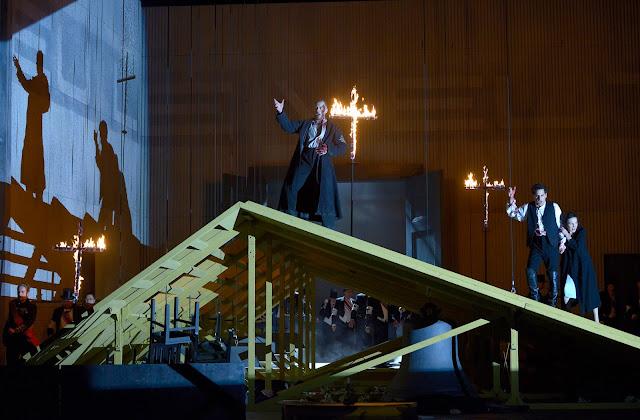 Meyerbeer: Les Huguenots - Deutsche Oper, Berlin (Photo Bettina Stöß)