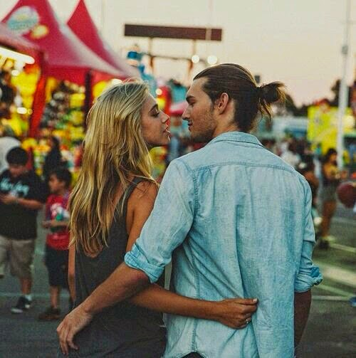 13 Things Guys Should NOT Do on a First Date - Modern Wife Life