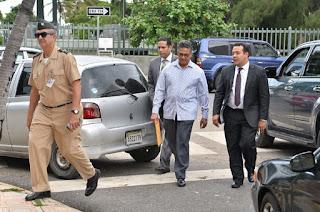 Exministro de Defensa bajo arresto en la Fiscalía del Distrito Nacional