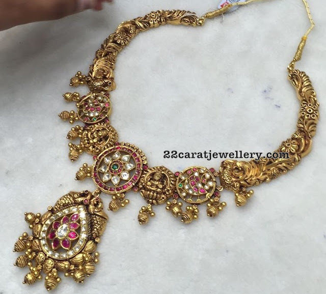 Fashionable Kundan Lakshmi Necklace