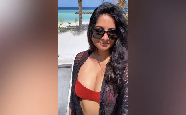 New Images From Rhea Kapoor's Maldives Honeymoon