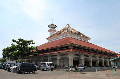 Wisata Religi Surabaya Makam Sunan Ampel