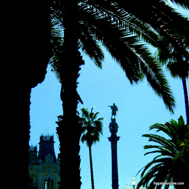 Monumento a Cristóvão Colombo, nas Ramblas de Barcelona
