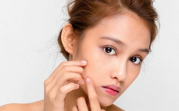 Rekomendasi Skincare Ampuh dalam Basmi Jerawat dengan Kilat
