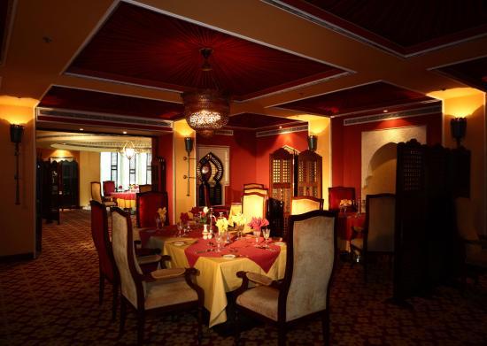 مطعم درب الحرير