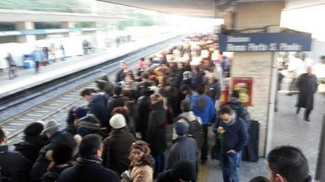 Ferrovia Roma-Lido, ecco i veri motivi dei disagi e ritardi continui