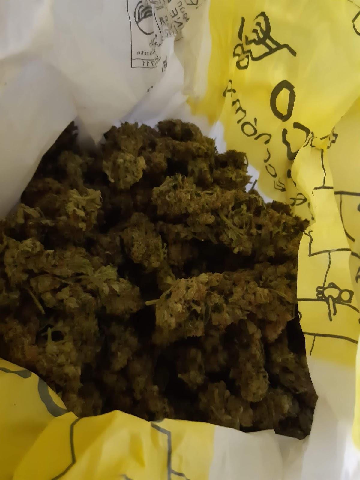 livraison de la weed france paris domicile maison laposte courier