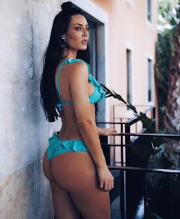 Diana Monteiro exibe rabo