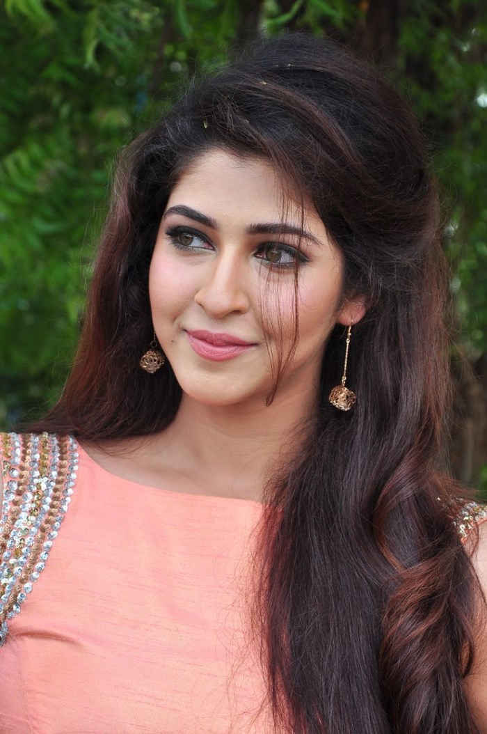 Sonarika Bhadoria Actress Photos At Vishnu Manchu Movie