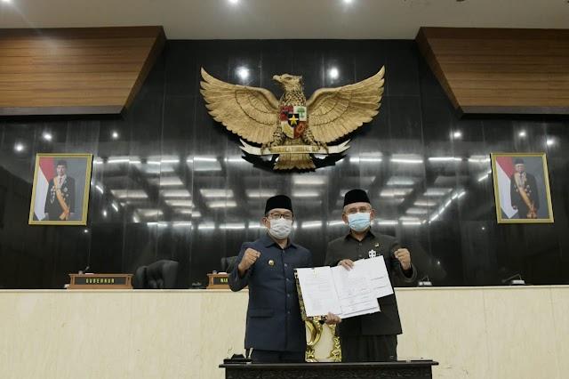 Gubernur dan DPRD Jabar Tandatangani Persetujuan Tiga CDPOB