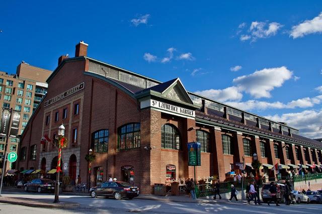 Mercado St. Lawrence em Toronto