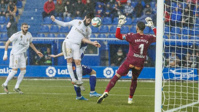 ماركا   ليلة ممطرة بدرجة أقل لـ ايسكو ، لعب أساسي مرة أخرى في مدريد و الهدف هو أمم أوروبا