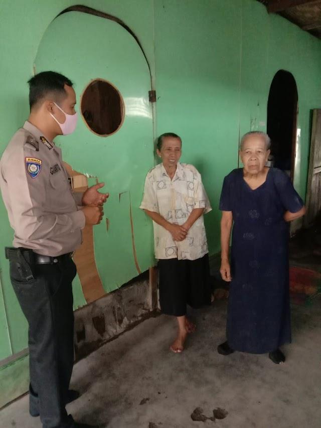 Bhabinkamtibmas Kelurahan Muara Sentosa Himbau Warga Gunakan asker Dalam Adaptasi Kebiasaan Baru