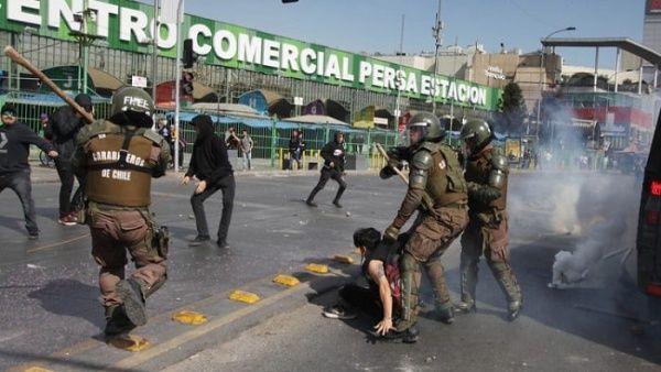 Más de 100 detenidos en Chile durante marchas de trabajadores