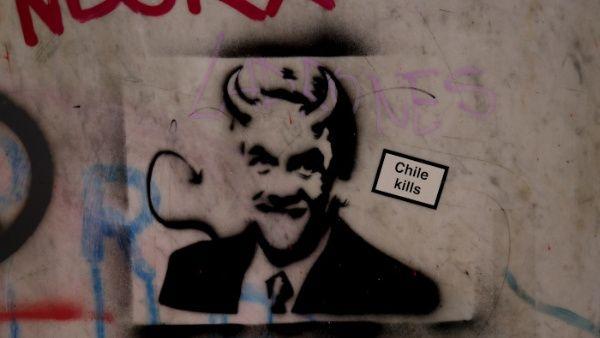 Admiten querella contra Piñera por delitos de lesa humanidad