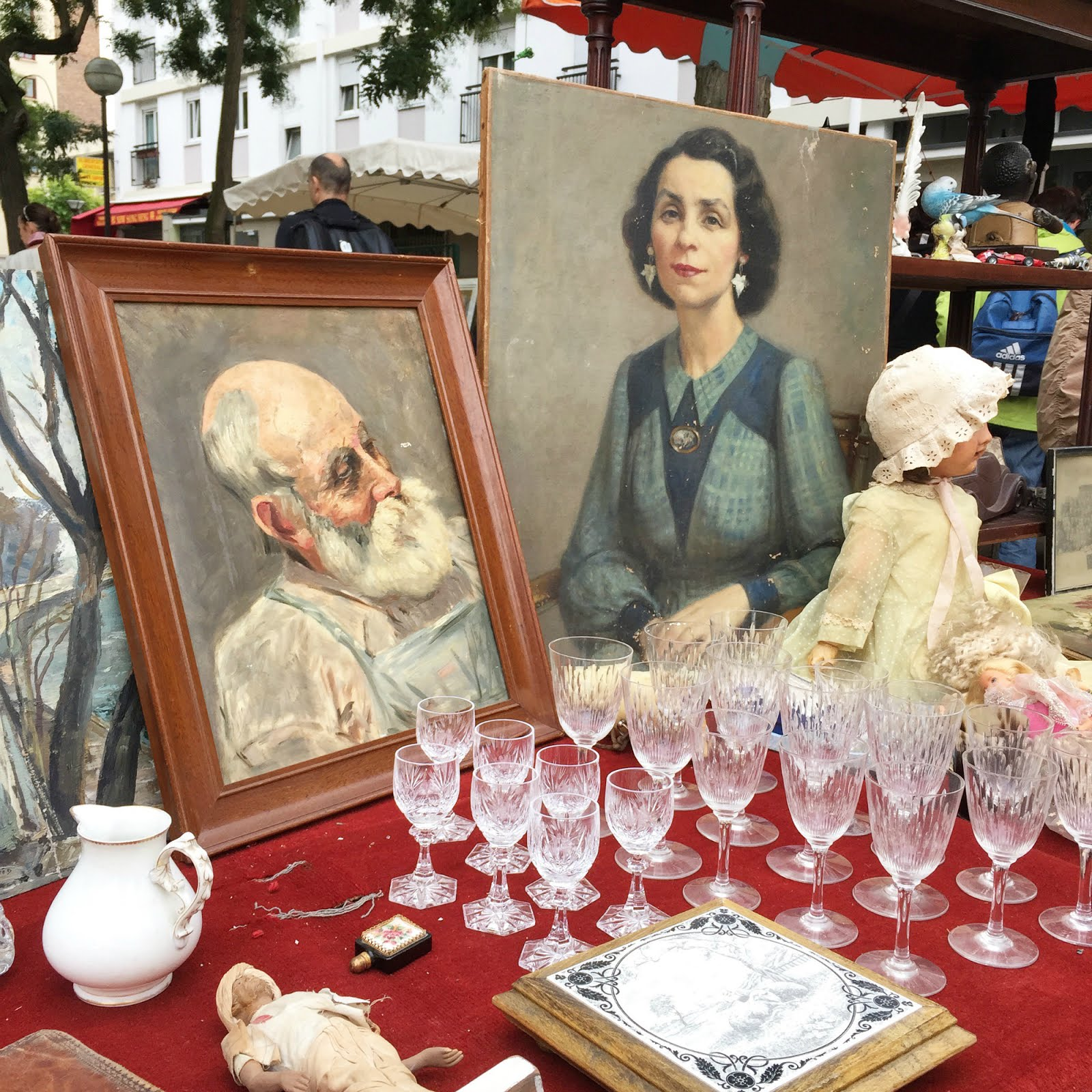 Brocante, 32 Hours in Paris travel tips, hellopeagreen, travel blogger