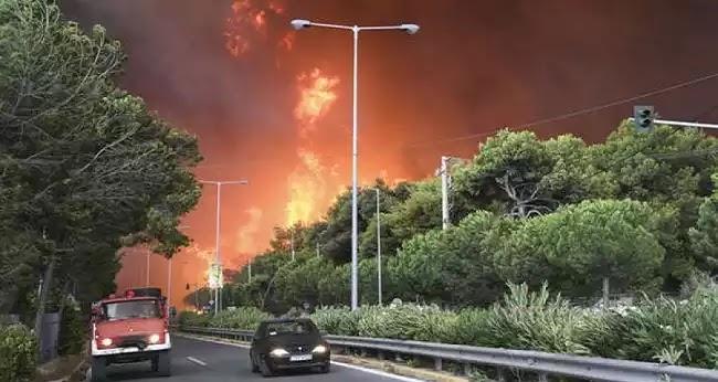 Observer: Οι Έλληνες πυροσβέστες είναι οργισμένοι με τους κυβερνητικούς χειρισμούς