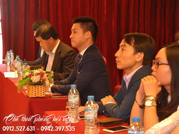 Phía trường còn thể hiện sự tin tưởng và vui mừng khi có cơ hội được hợp tác với công ty Đông Á
