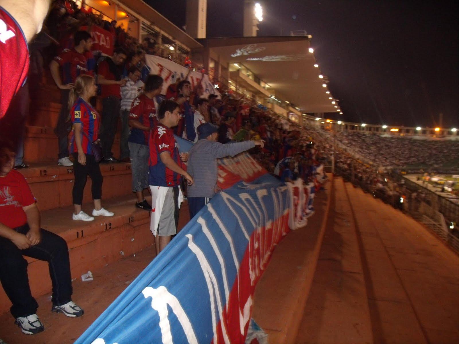 Novamente em mais uma postagem e outra vez com um jogo da Libertadores  2011 79eb64f8fcca9