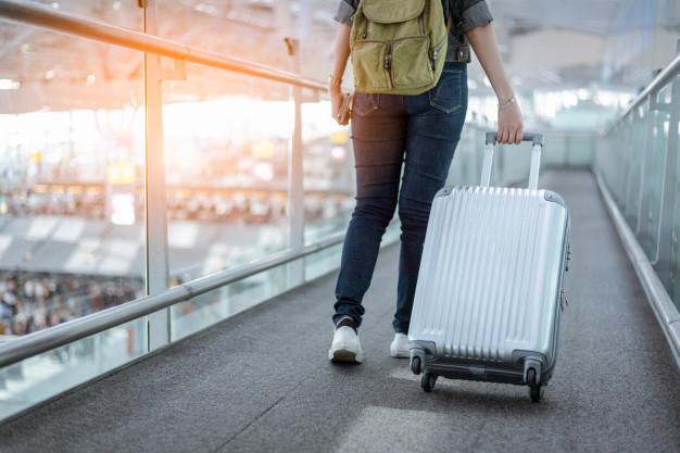 10 Tips Aman Berwisata Menggunakan Bus Untuk Para Traveller - Membawa Dua Macam Tas