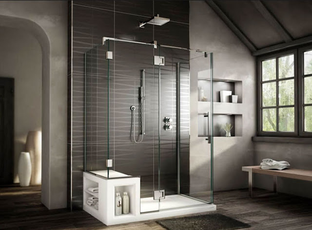 Moderne-Duschkabinen-mit-sitze-in-weiß