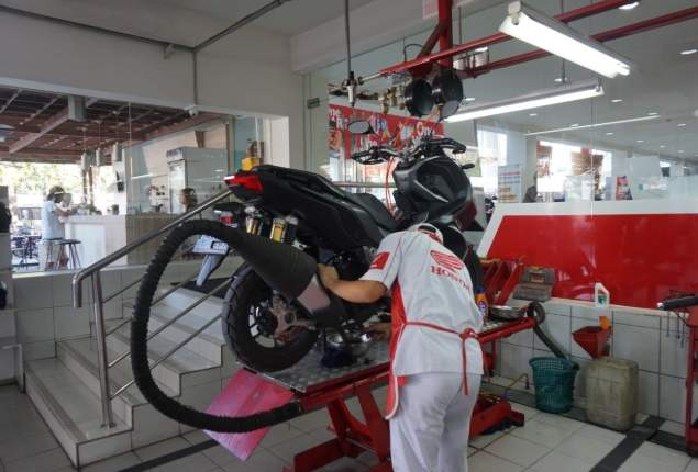 Service Jemput Bola Astra Motor Bali Selama Corona 2020