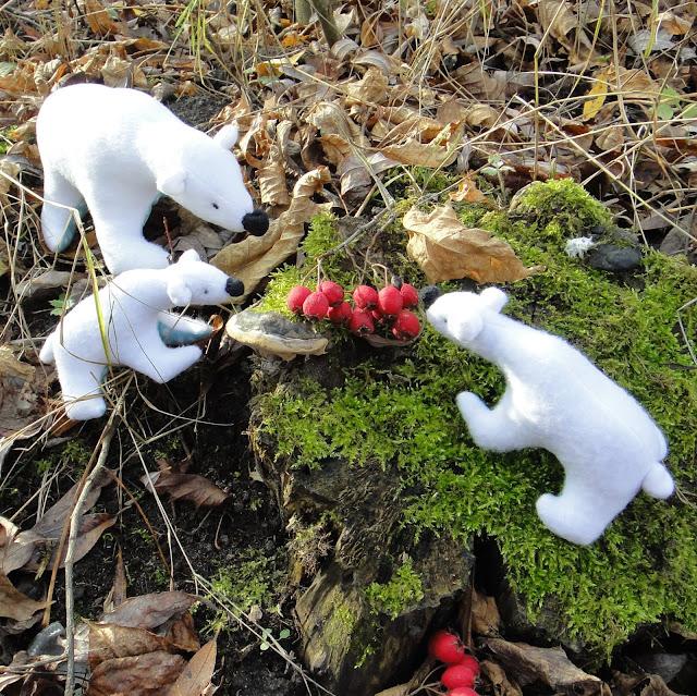 Медведица с медвежатами: мягкие игрушки из флиса - ручная работа, доставка почтой или курьером