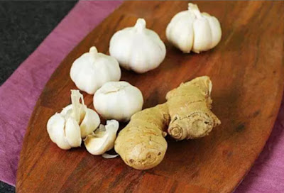 Mix 3 Seeds Of Garlic With 2 Seeds Of Ginger, Then Add 2 Spoons Of Olive Oil. To Get These Effects