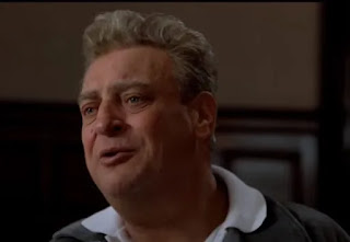 Rodney Dangerfield récite le poème de Dylan Thomas dans le film Back to school
