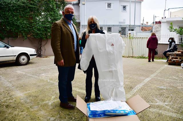 Ναύπλιο: Στολές προστασίας στους εργαζόμενους στη Σχολική Καθαριότητα