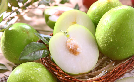Sử dụng táo ta chữa đau dạ dày hiệu quả tại nhà