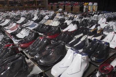 Lowongan Kerja Pekanbaru : Perusahaan Distributor Sepatu & Sendal Juni 2017