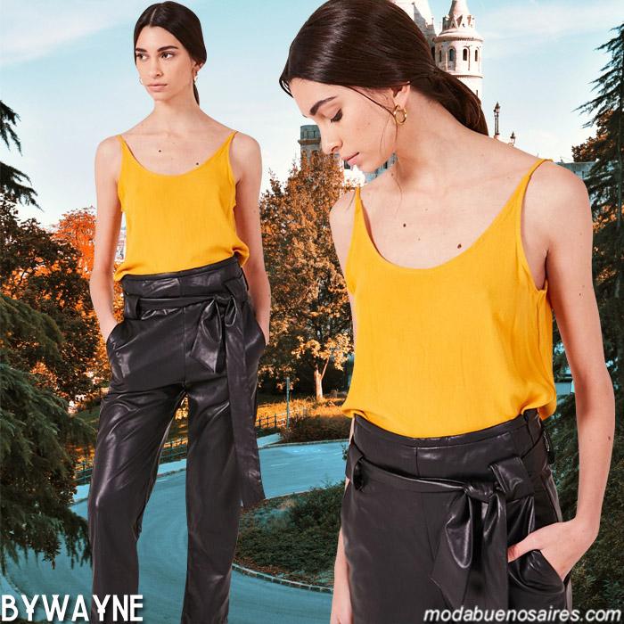 Pantalones engomados de vestir con lazo en la cintura primavera verano 2020. Moda casual primavera verano 2020.