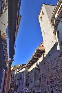 La inclinación de la torre es observable a simple vista