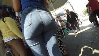 Video hermosa joven caderona nalgona jeans