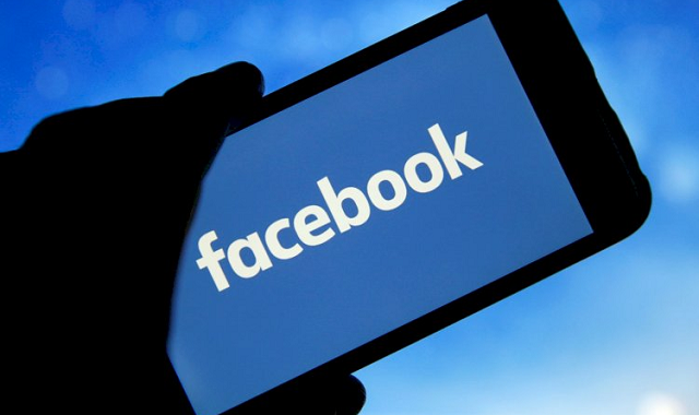 Facebook rating drops drastically on App Store and Play Store