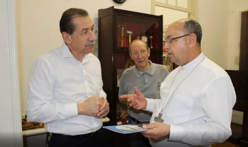 Bispo eleito de Catanduva visita o Museu Padre Albino