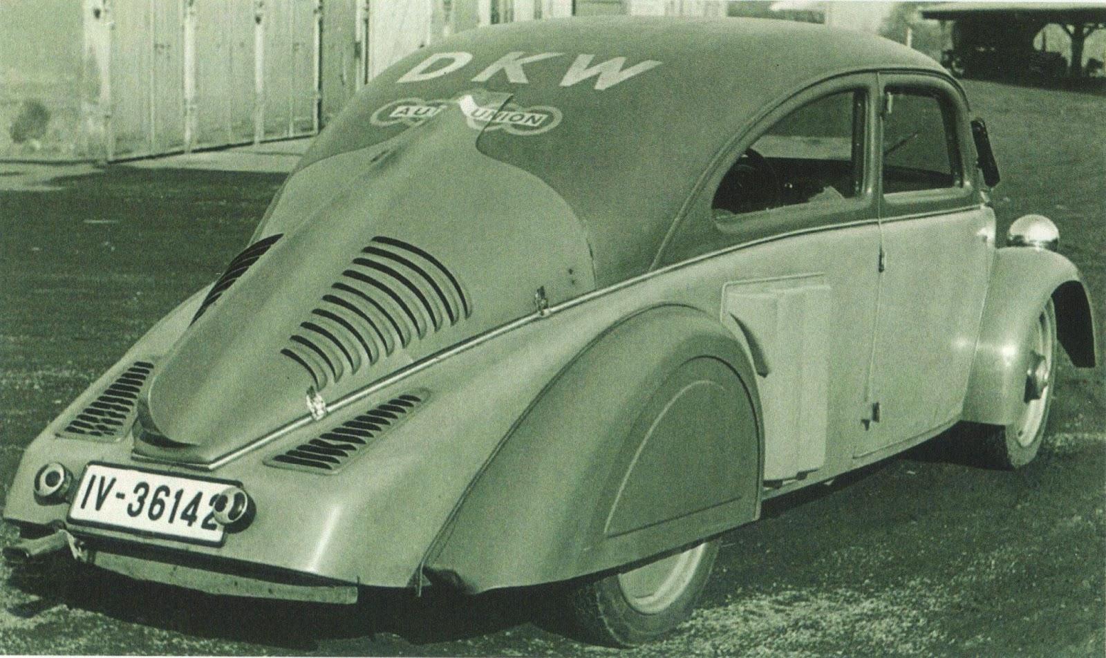 Streamlined Race Car