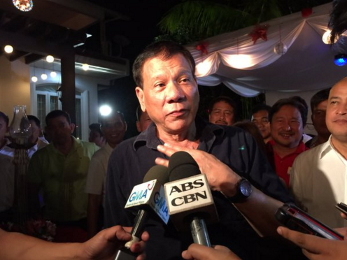 Rodrigo Duterte finally decides to run for president